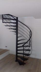 Escalier-helicoidal-noir-169x300