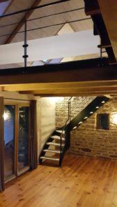 escaliers-line1-169x300